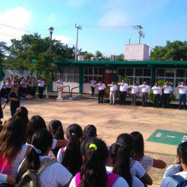 """Homenaje cívico en el plantel """"Dzitbalché-Calkiní"""" con motivo del inicio del ciclo escolar 2017-2018"""