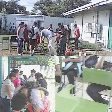 Alumnos y Docente en Jornada de Mantenimiento a Mobiliario
