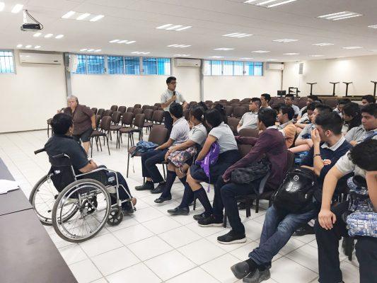 Plática derechos de los discapacitados plantel GGG